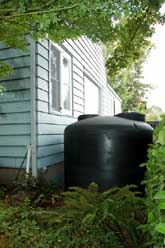 Above-ground cistern collects rainwater