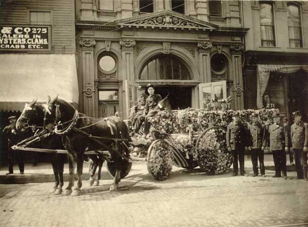 1908 Hose company #20 -- first prize in Rose Parade