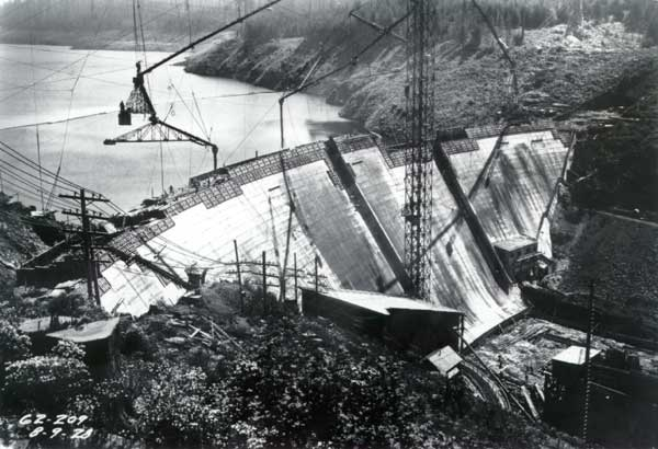 1928 Construction of Dam 1