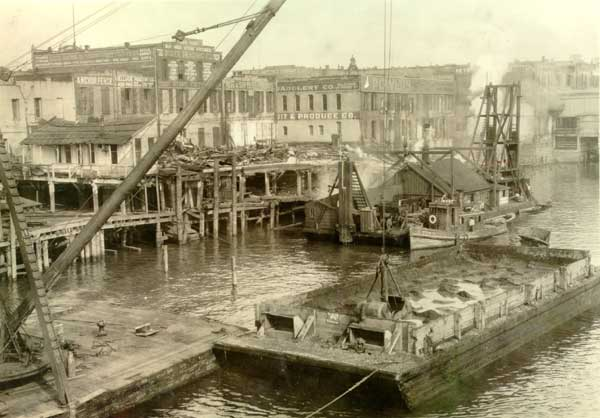 1929 Waterfront Conditions before Harbor Wall