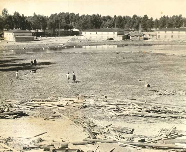 1948 Vanport flood aftermath mud flats